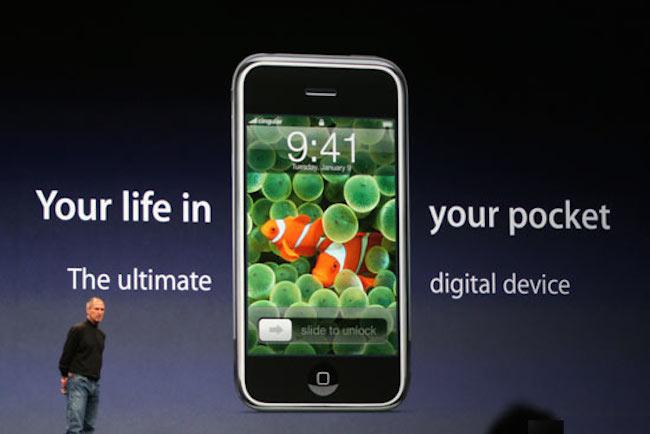 SteveJobsUnveilsiPhone